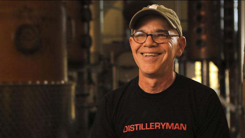 Gemeinsam mit seinem Partner Brian Leeproduziert Ralph Erenzo den Premium Whiskey Hudson in New York
